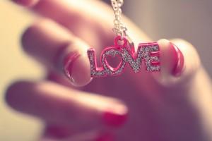 Статусы про любовь всегда новые и лучшие 2012, 2013 года. Красивые статусы про любовь бесплатно.