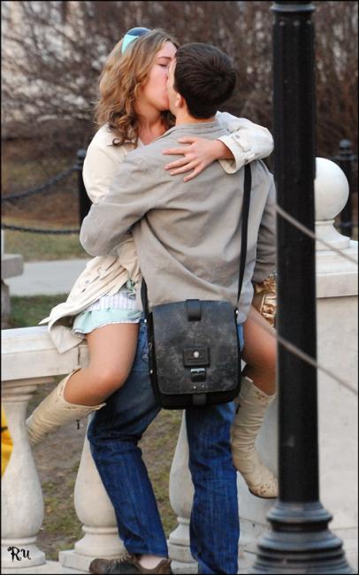 Красивые поцелуи картинки, страстные поцелуи парня и девушки