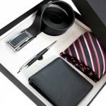 Набор из трубки, галстука и ремня